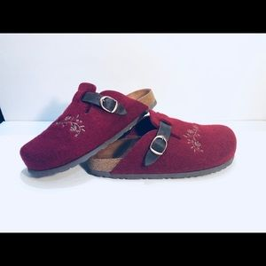 LLBean Red Wool Embroidered Clogs